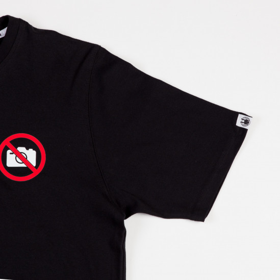 AK NO PHOTO tee, blck/wht-red
